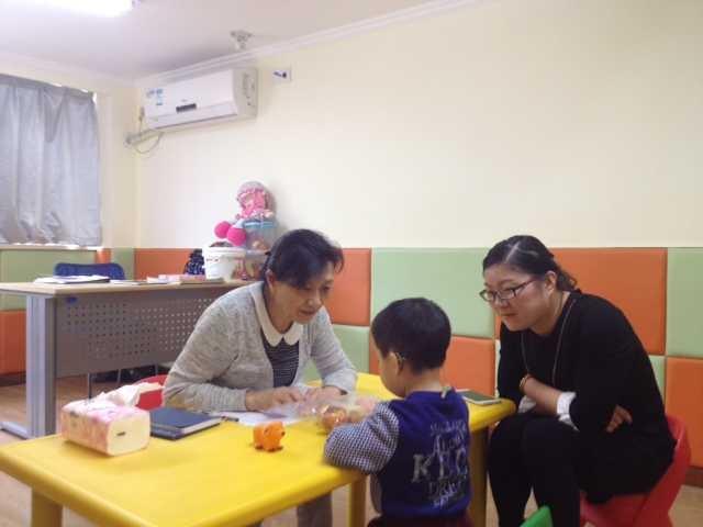 姚利群老师莅临杭州聋儿康复中心指导